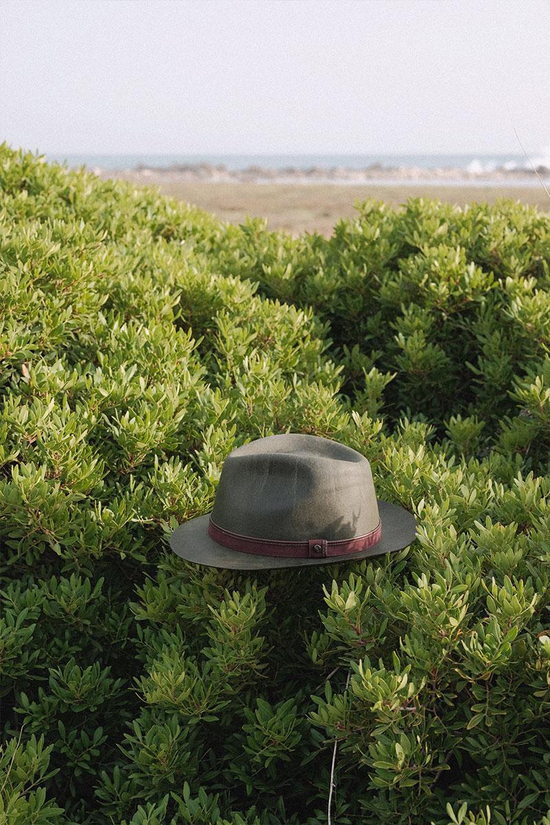 Cappello a goccia Doria su sfondo natura