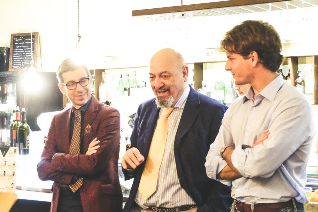Leonardo Nuccio con avvocato Zompì e Clemente Zecca durante la presentazione dell'evento Sorsi e discorsi